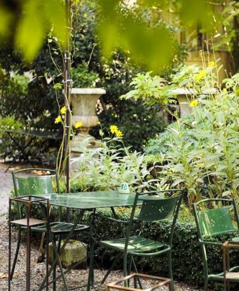 Table de jardin vaucluse meilleures id es pour la conception et l 39 ameublement du jardin - Le jardin du quai isle sur la sorgue ...
